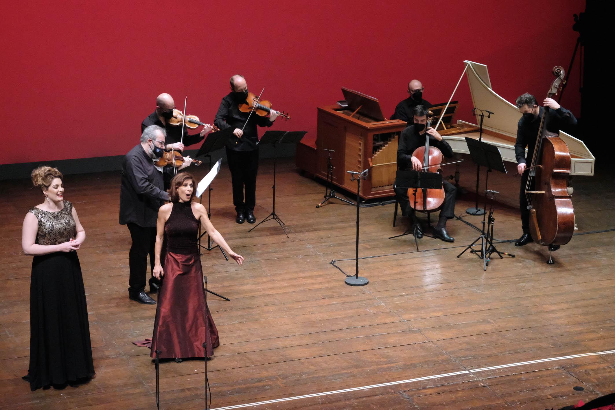 Spettacolo soprani ensemble con Lella Costa