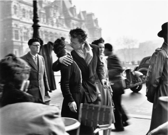 Robert Doisneau, Bacio davanti all'hotel De Ville