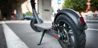 Monopattino elettrico (foto Shutterstock.com)